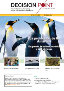 Introducing Decision Point en Español, the magazine that aims to connect conservation policy makers, researchers and practitioners - in Spanish! A mock up of the cover is on the left and the map above shows the regions of the planet where Spanish is the official language (in red, with Spanish as a co-official language in blue). Map by Ichwan Palongengi - Data based on Map-Hispano.png on Wikipedia Project. Licensed under CC BY-SA 3.0 via Wikimedia Commons.